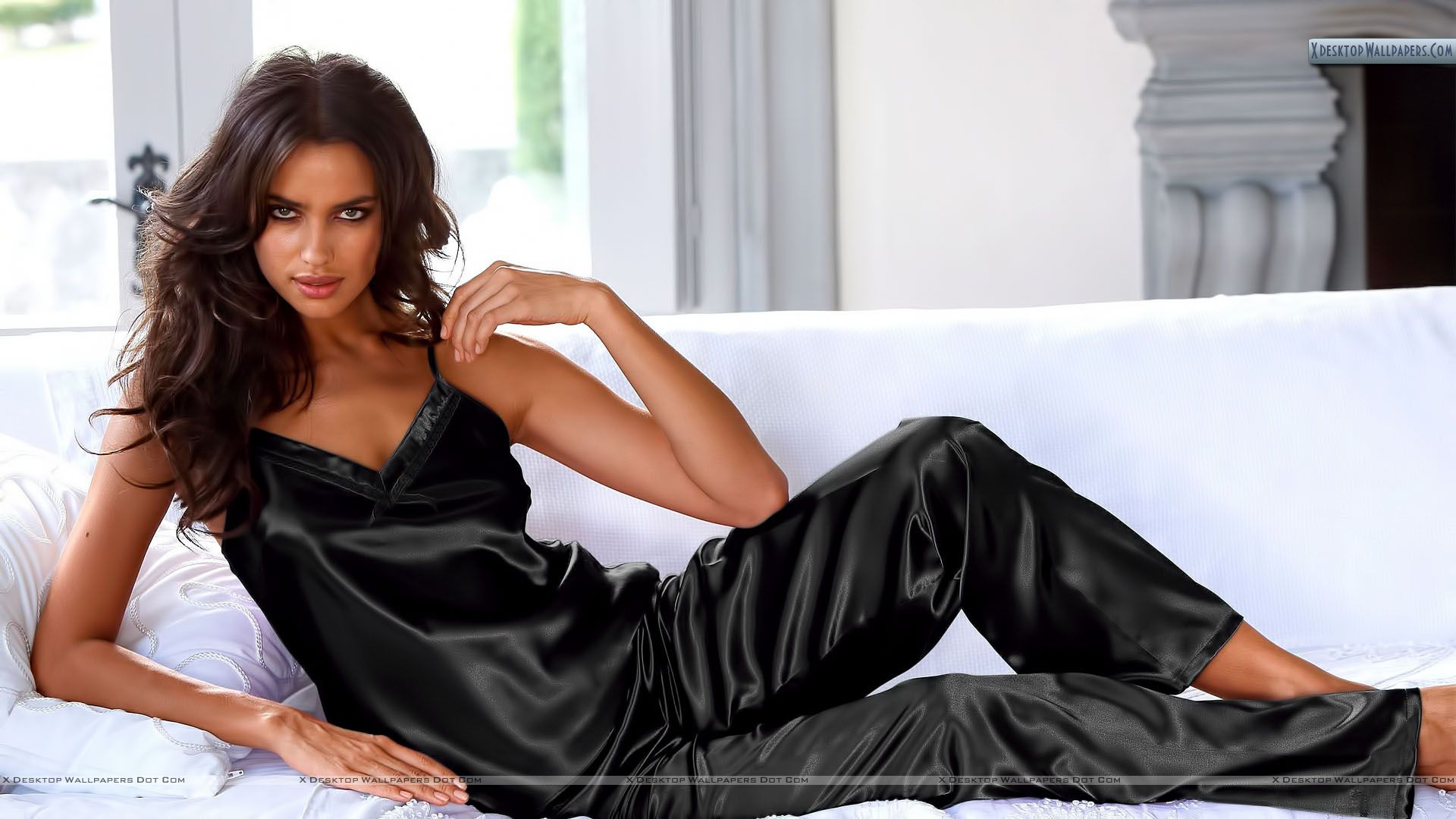 irina shayk in whole black dress wallpaper
