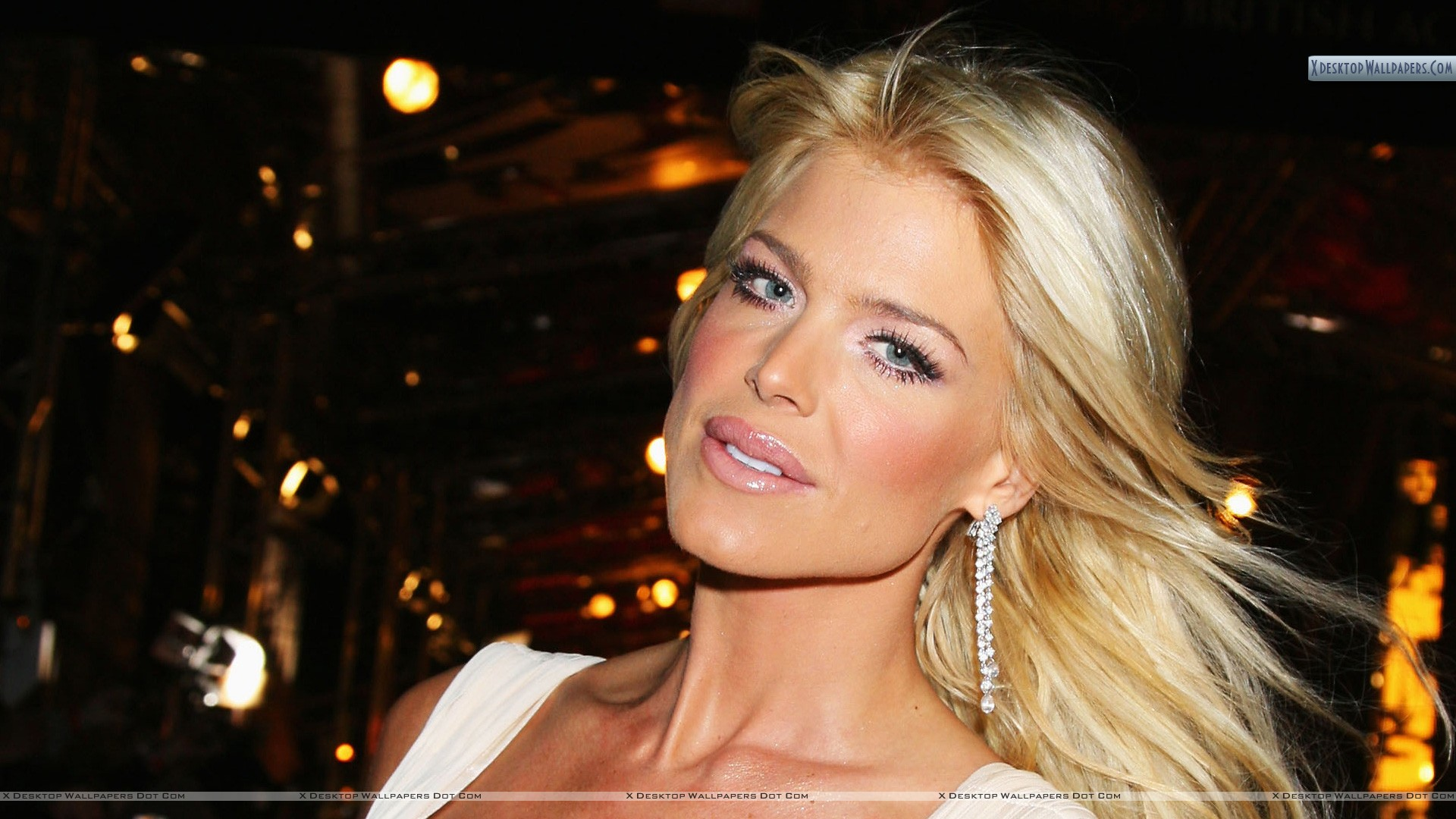 Victoria Silvstedt Wallpapers Photos Images In Hd