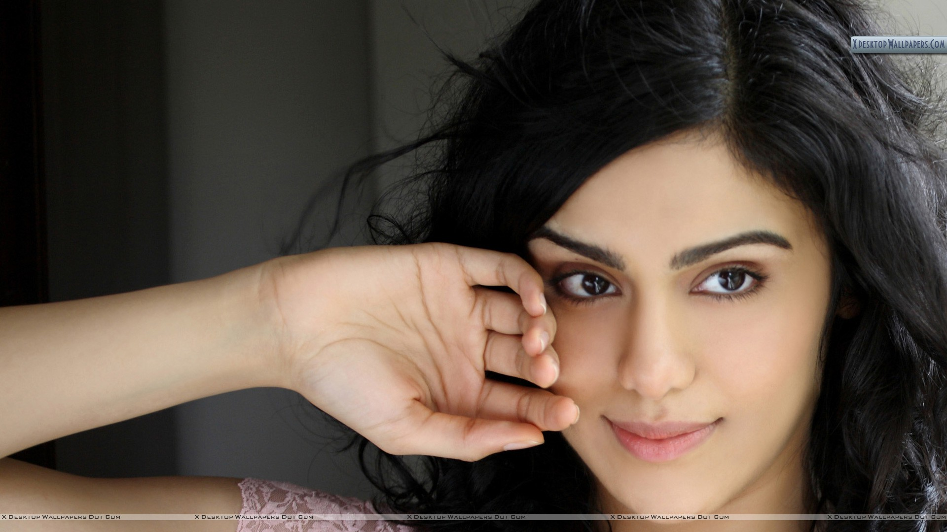 adah sharma hand on cheek photoshoot wallpaper