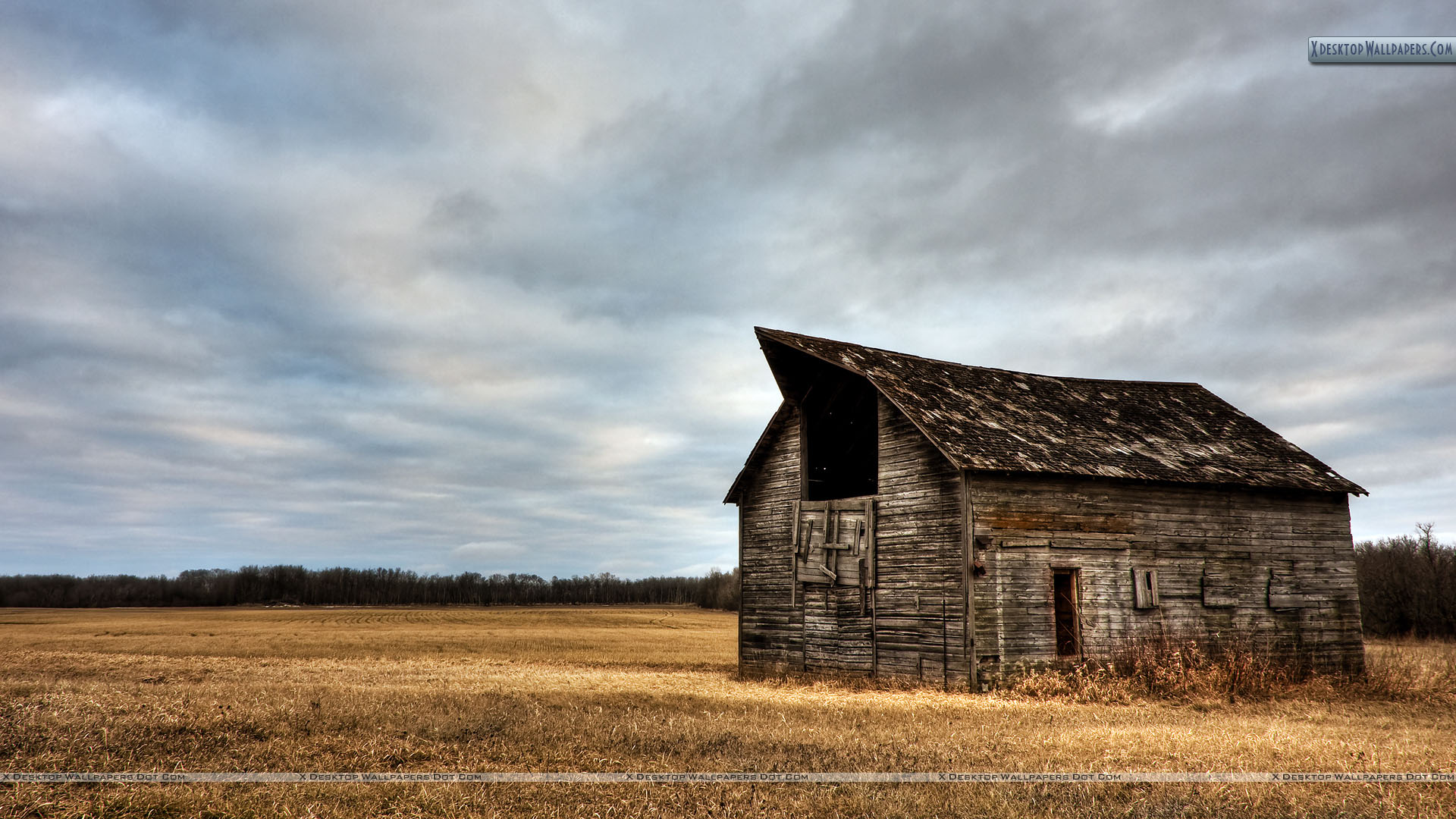 Old Wooden House Wallpaper