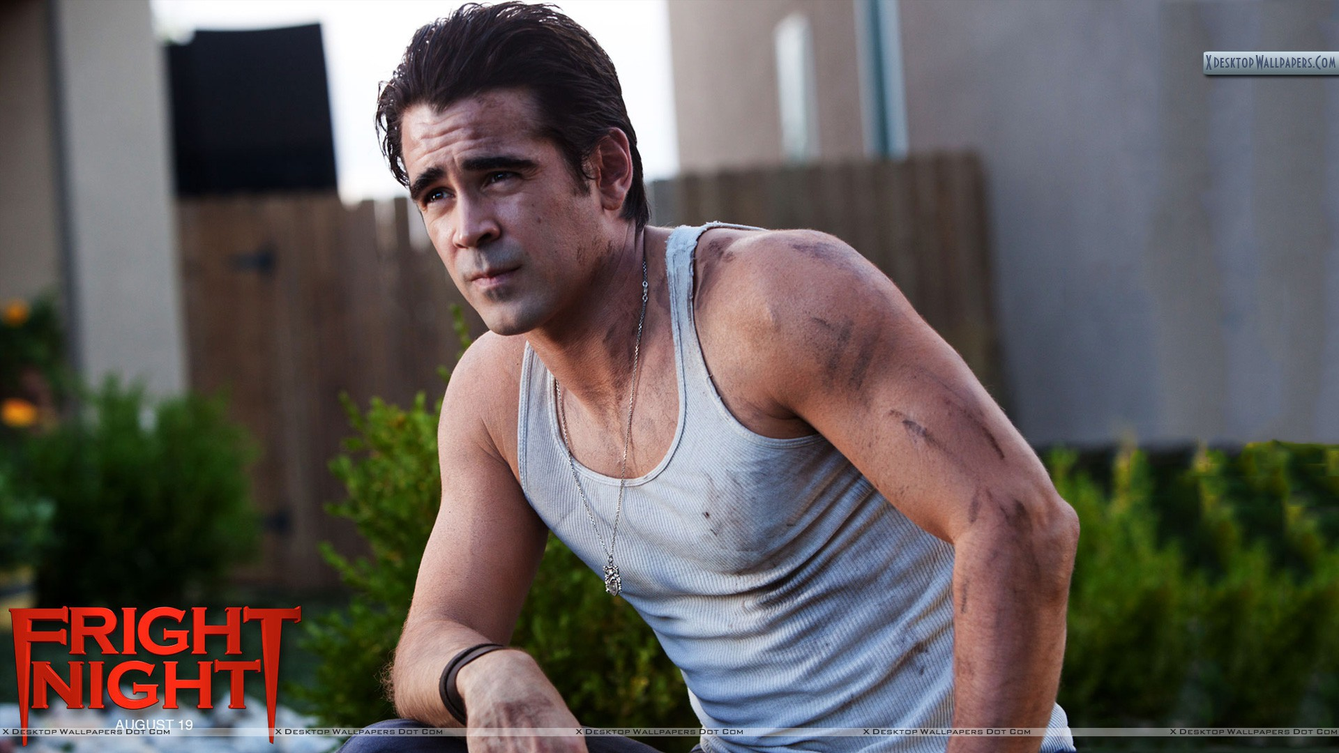 Fright Night Colin Farrell Sitting Outside House Wallpaper