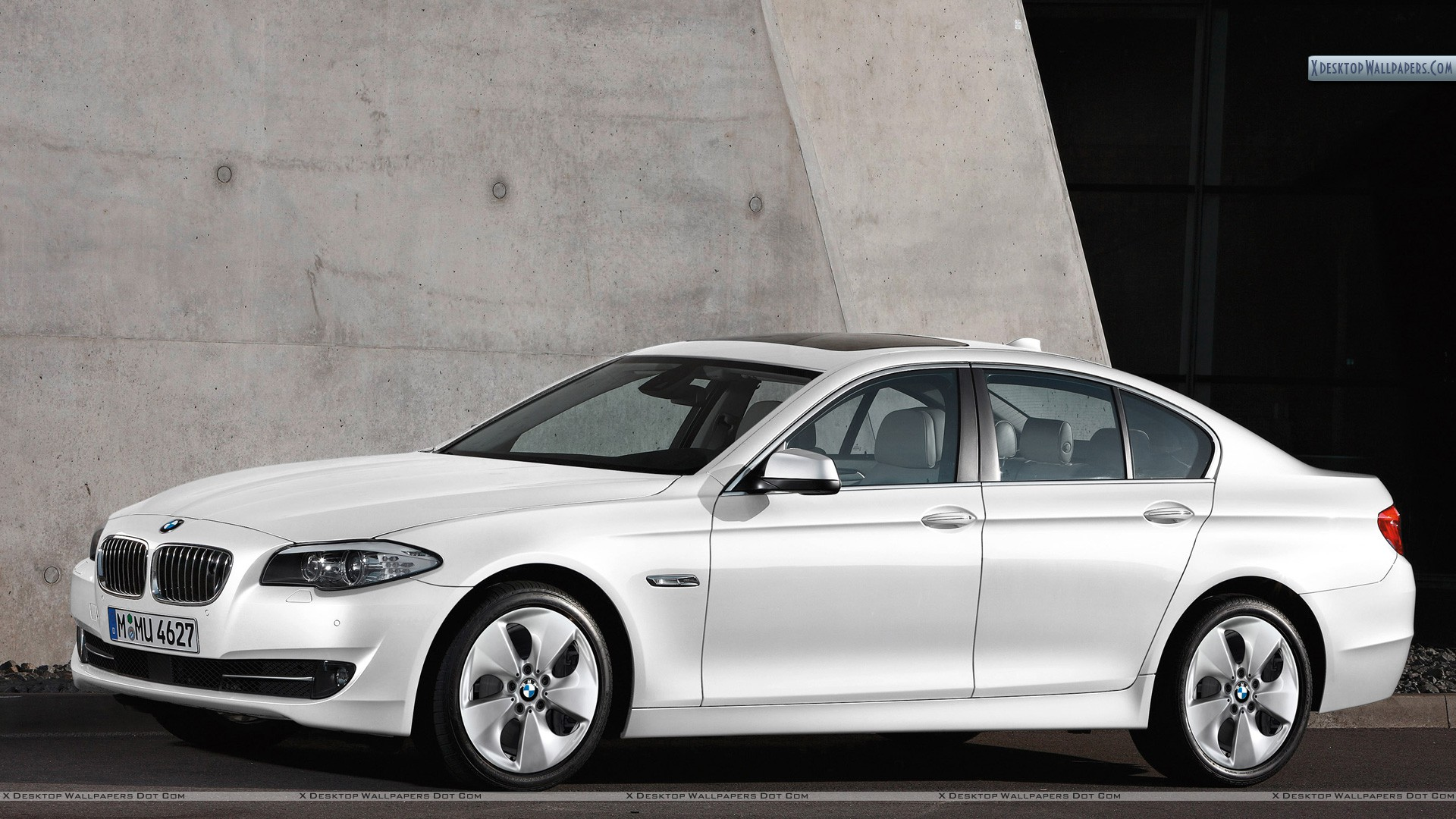 side pose in white 2012 bmw 520d efficient dynamics edition wallpaper. Black Bedroom Furniture Sets. Home Design Ideas