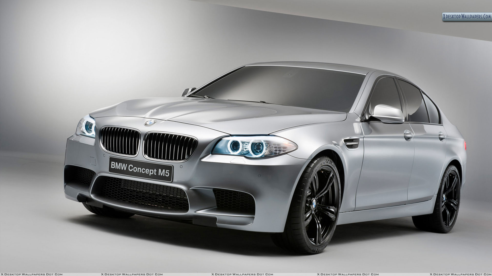 2012-BMW-M5-Concept-Front-Posee.jpg