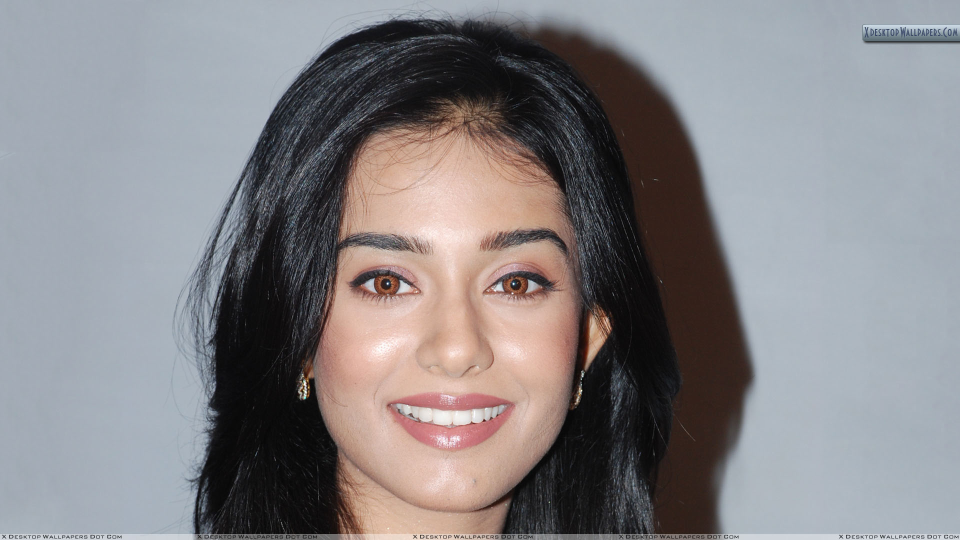 amrita rao smiling face closeup and brown eyes wallpaper