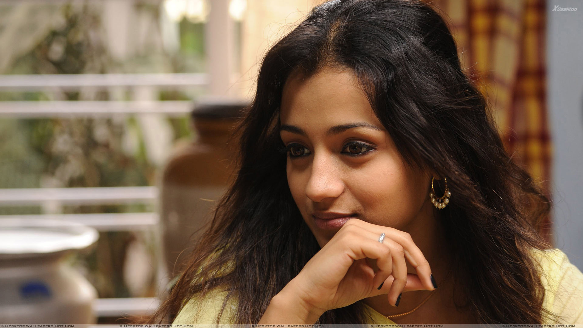 trisha krishnan smiling innocent face sitting pose wallpaper