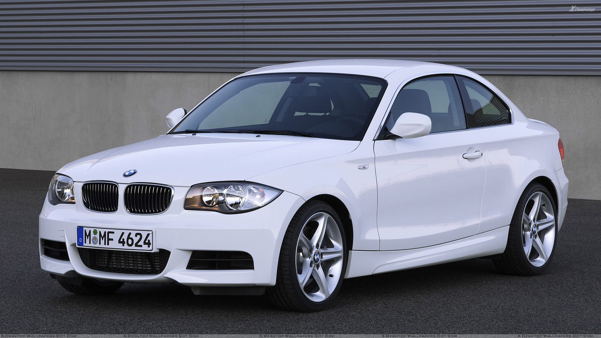 200a23c1281339 2007 BMW 1 Series E82 135i Coupe Side Front Pose In White Wallpaper