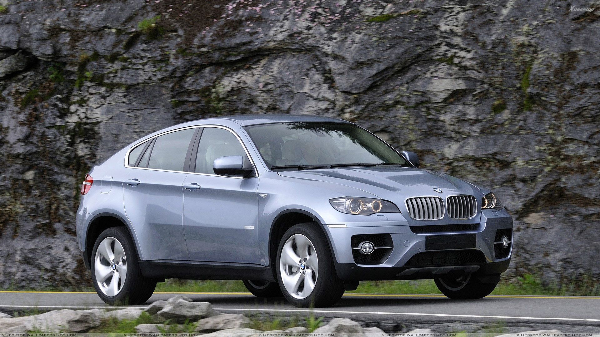 You Are Viewing Wallpaper Titled Side Front Pose Of 2010 BMW ActiveHybrid X6