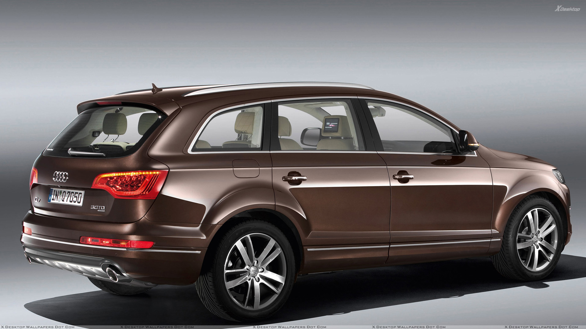 side pose of 2010 audi q7 30 tdi in brown wallpaper. Black Bedroom Furniture Sets. Home Design Ideas