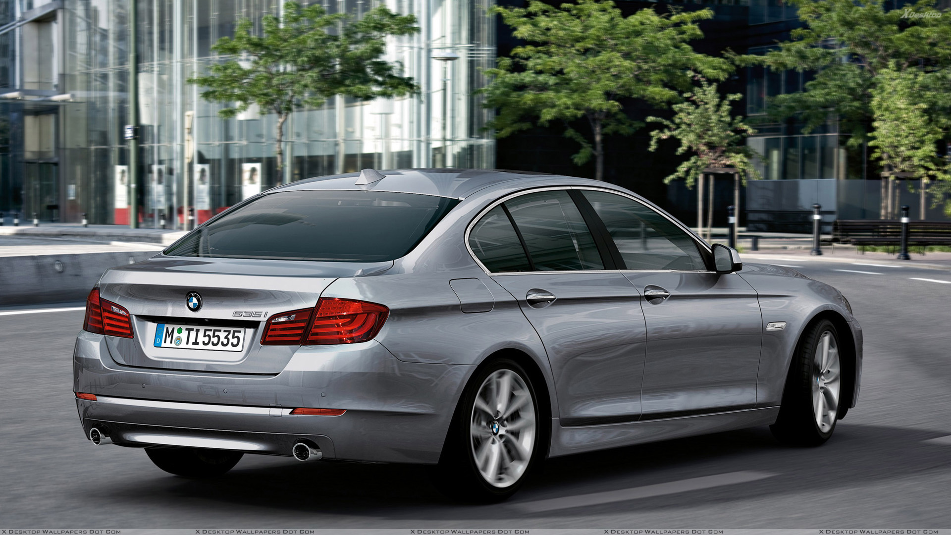 side pose of 2011 bmw 5 series sedan running in grey wallpaper rh xdesktopwallpapers com SMG Transmission BMW 5 Series Custom BMW 5 Series Manual