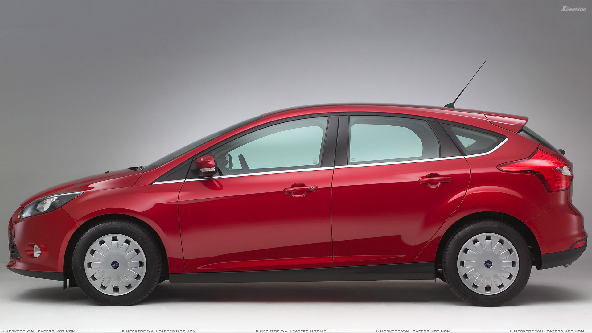 side pose of 2011 ford focus econetic in red wallpaper. Black Bedroom Furniture Sets. Home Design Ideas