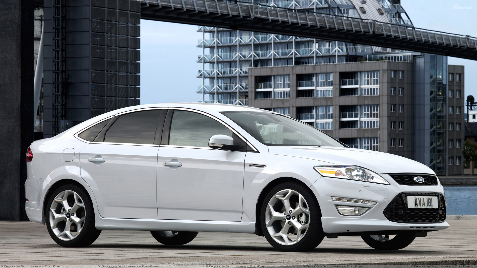 Side Pose Of 2011 Ford Mondeo In White Wallpaper