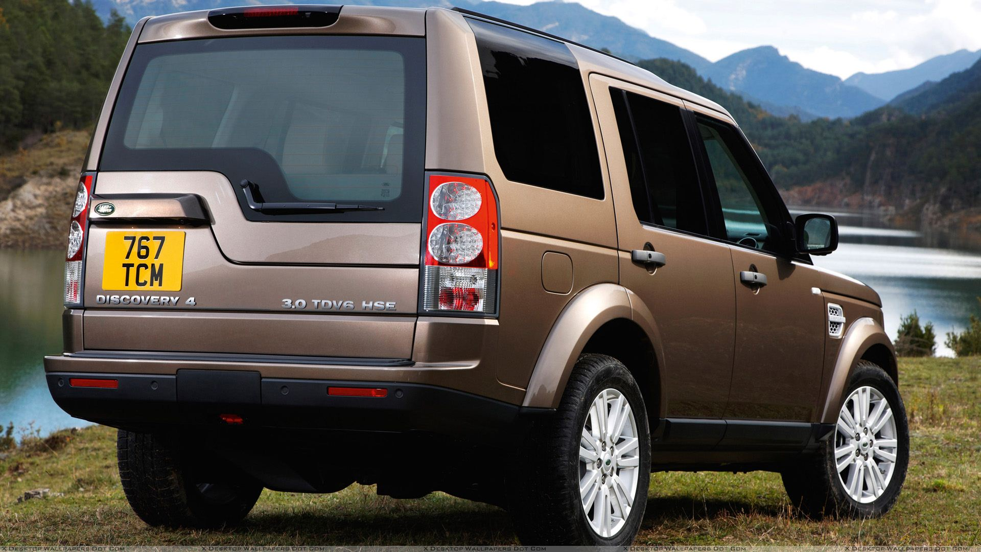 2010%20Land%20Rover%20Discovery%20In%20Brown%20Side%20Back%20Pose.jpg