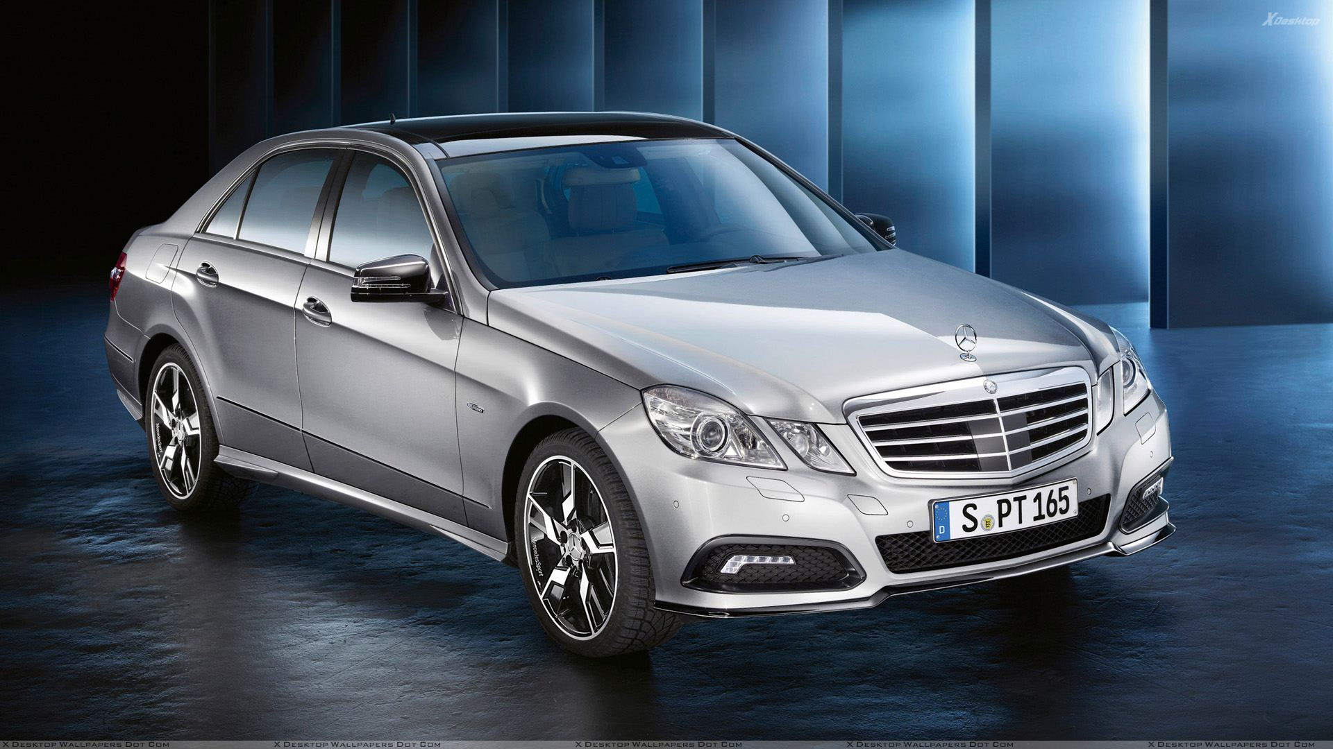 2010 mercedes benz sport e class in silver front side pose