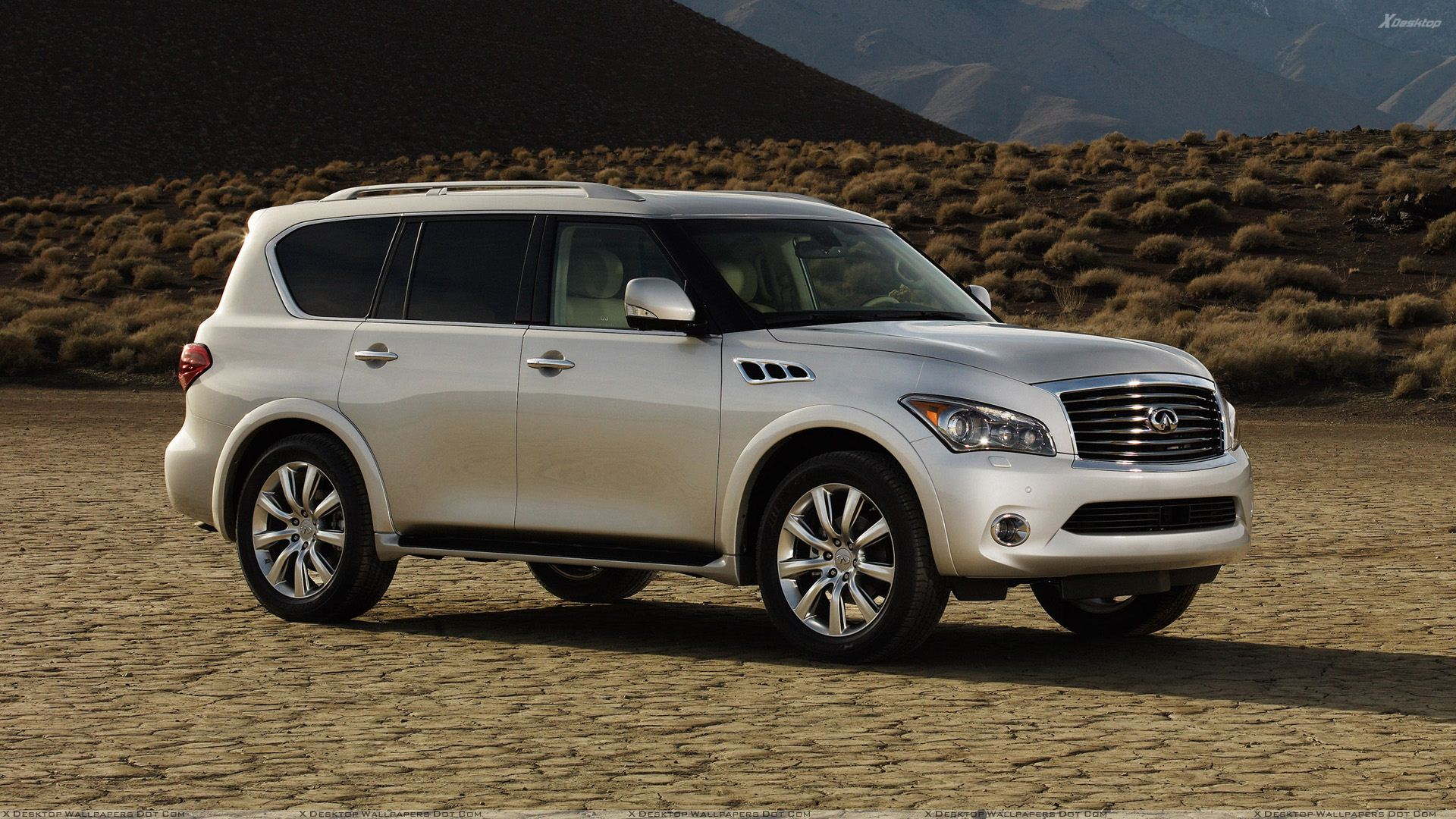 Back side pose of infiniti qx56 2011 in white wallpaper 2011 infiniti qx56 in white side pose vanachro Image collections