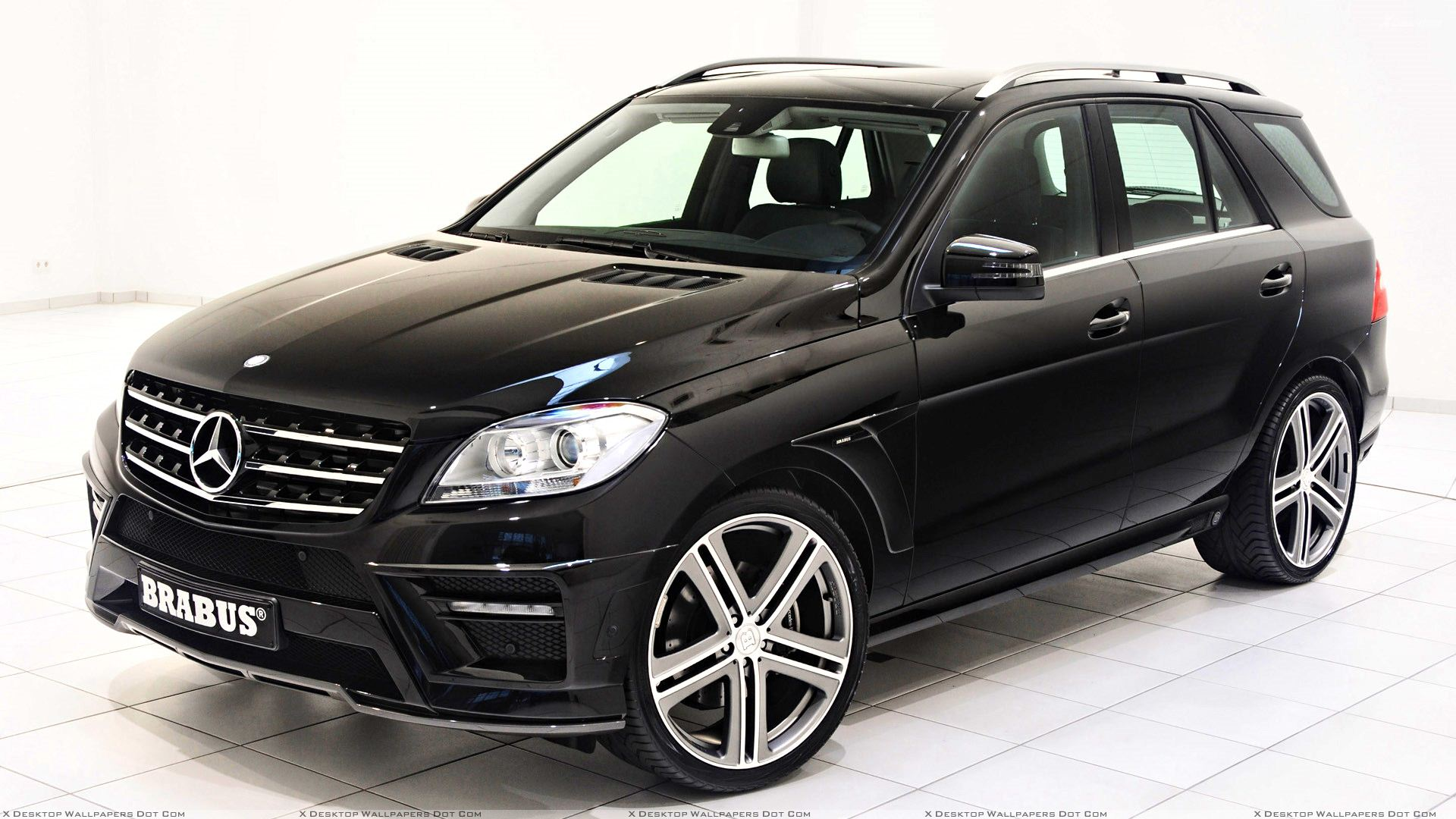 Brabus mercedes benz ml w166 in black front side pose for Mercedes benz be