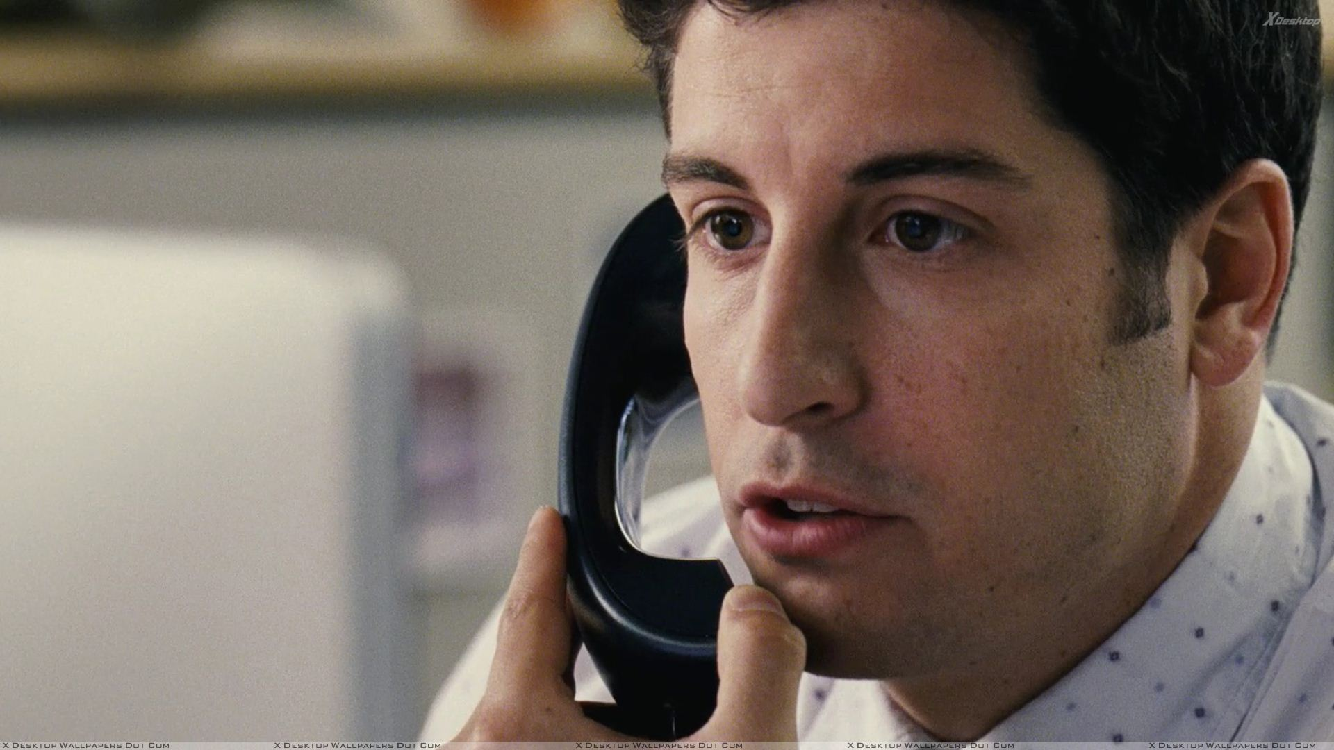 Jason Biggs Wallpapers American Reunion Jason Biggs Talking On Phone Wallpaper
