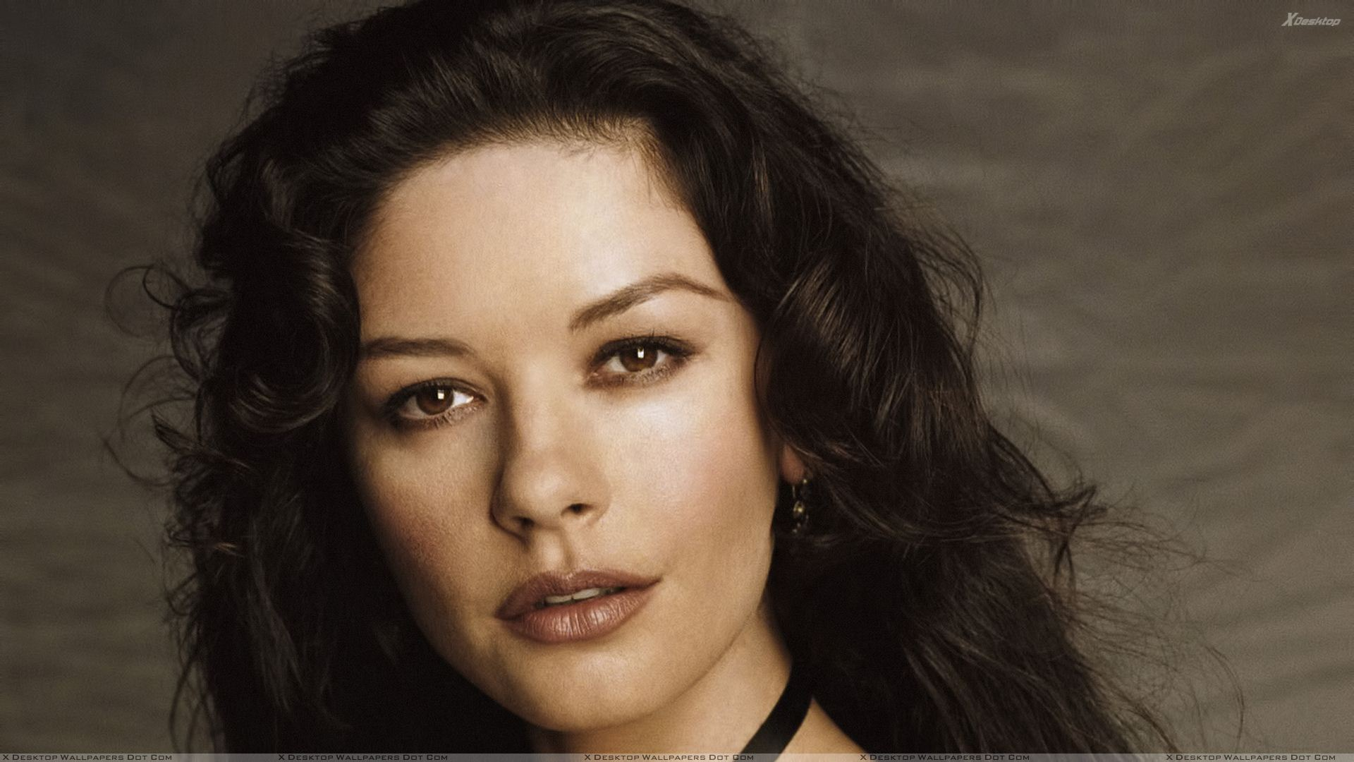 Catherine Zeta-Jones Wallpapers, Photos & Images in HD