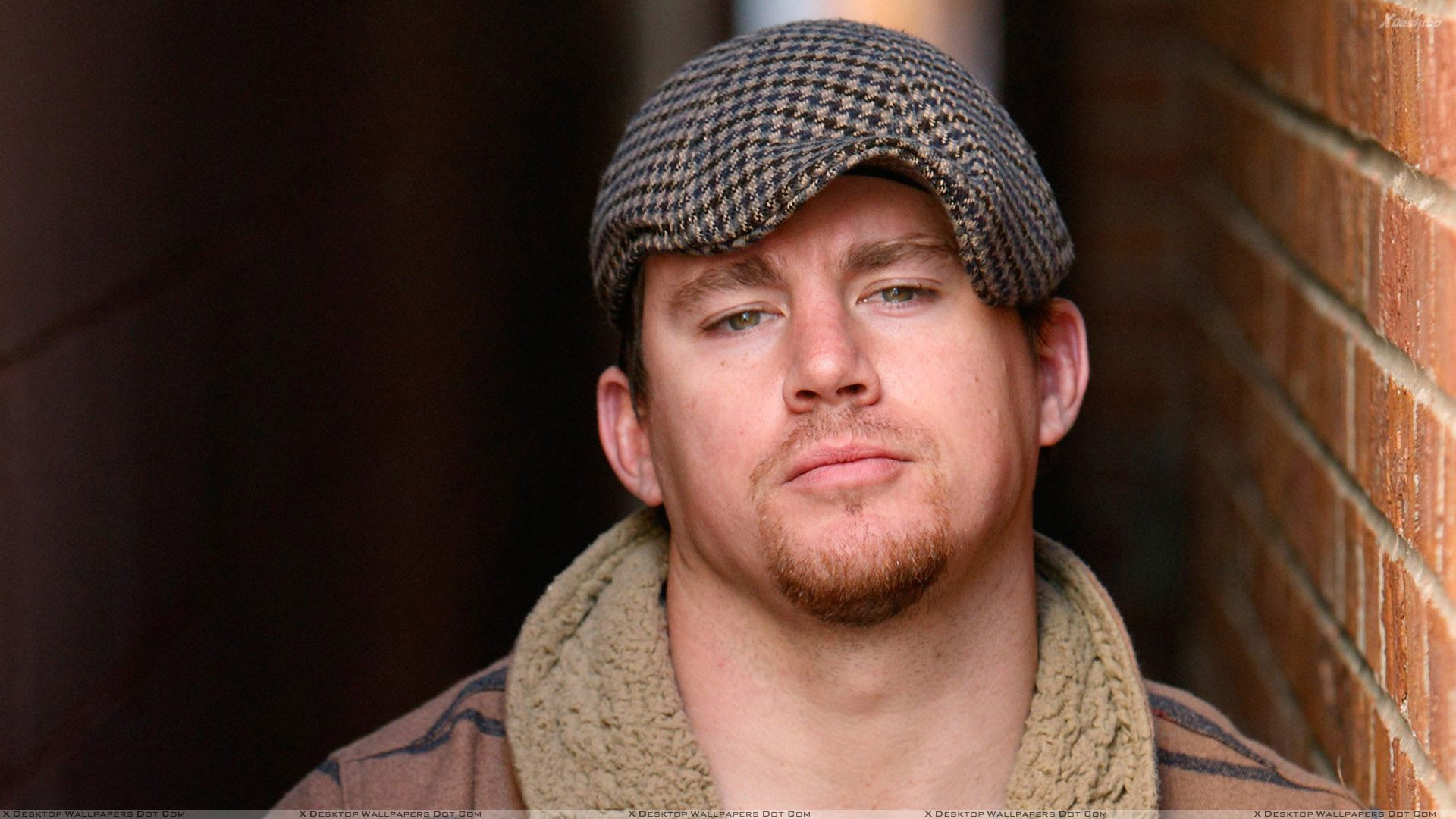 channing tatum wearing cap and looking front wallpaper