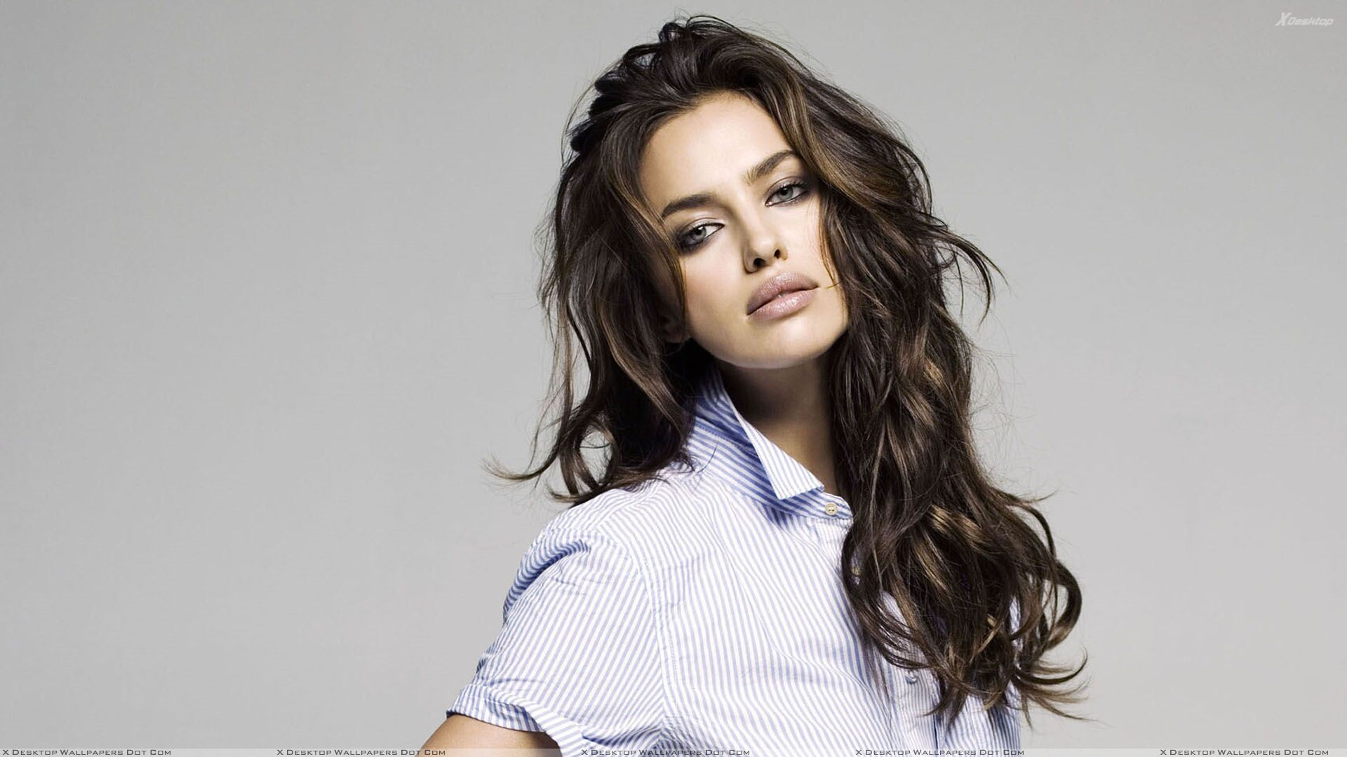 irina shayk looking front in lining shirt wallpaper