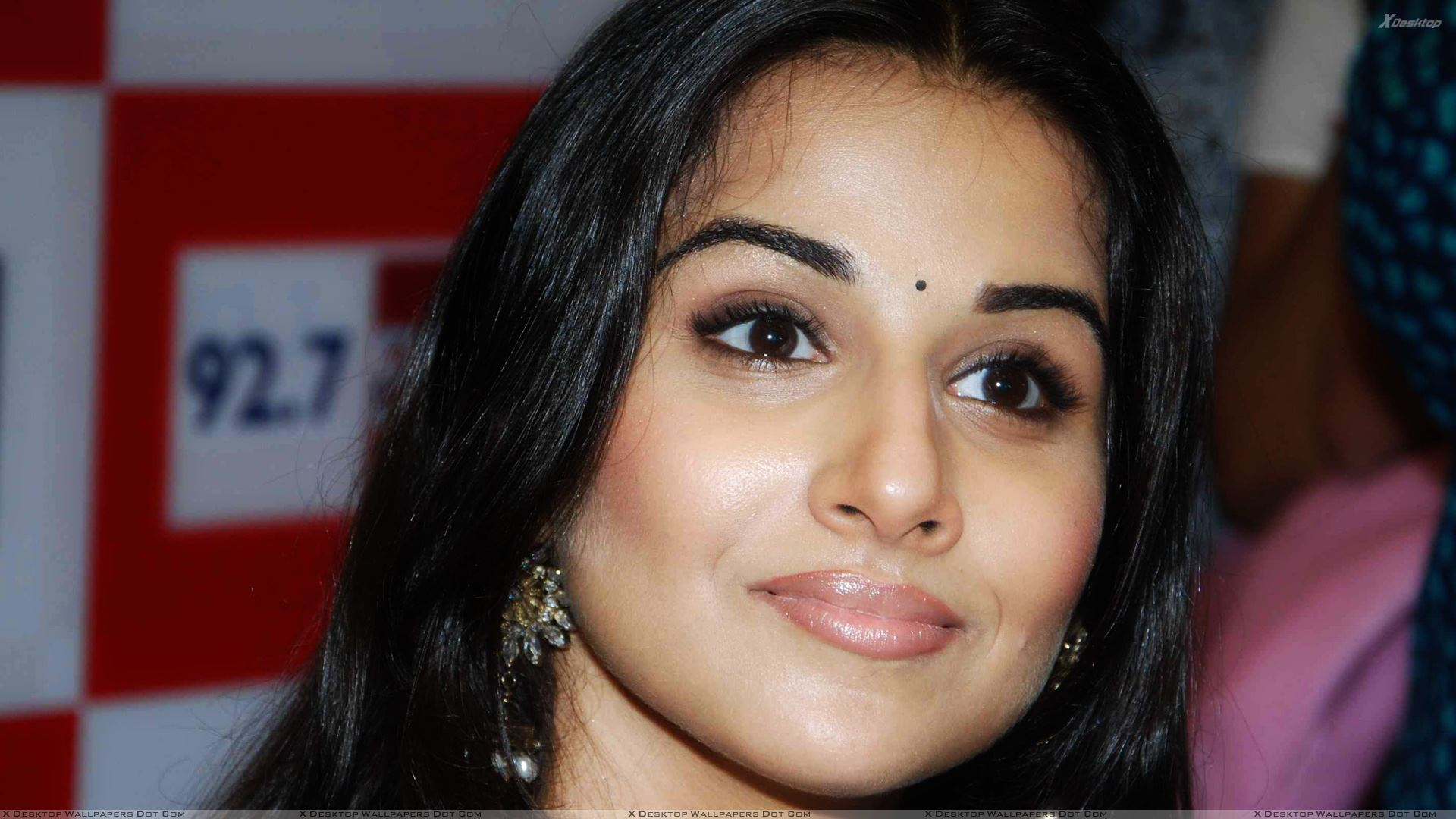 vidya balan ultra face closeup at 92.7 big fm for new jingle launch