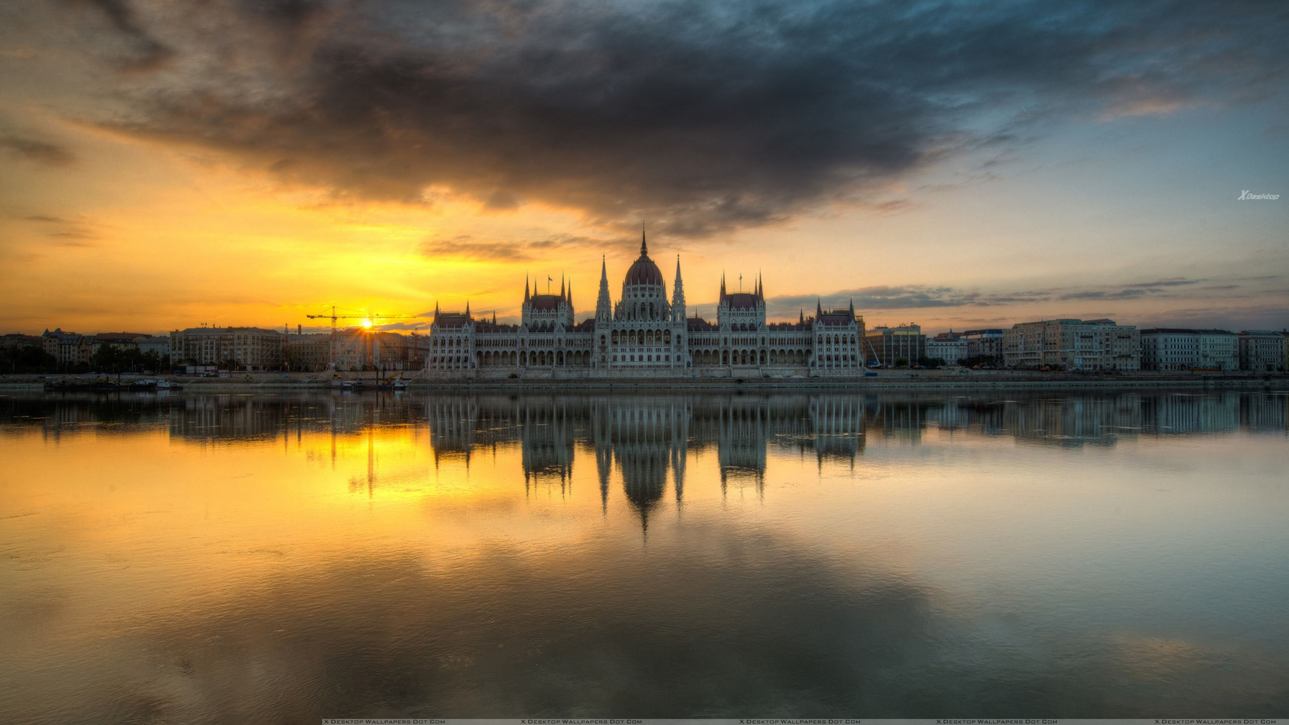 Magnificent View Of Hungarian Parliament Building Wallpaper