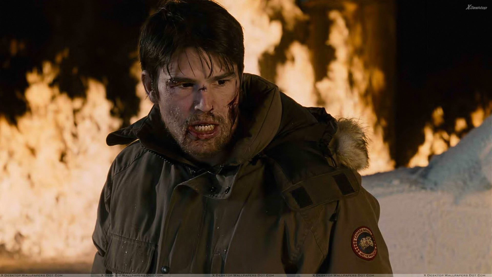 30 Days Of Night Josh Hartnett In Jacket Wallpaper